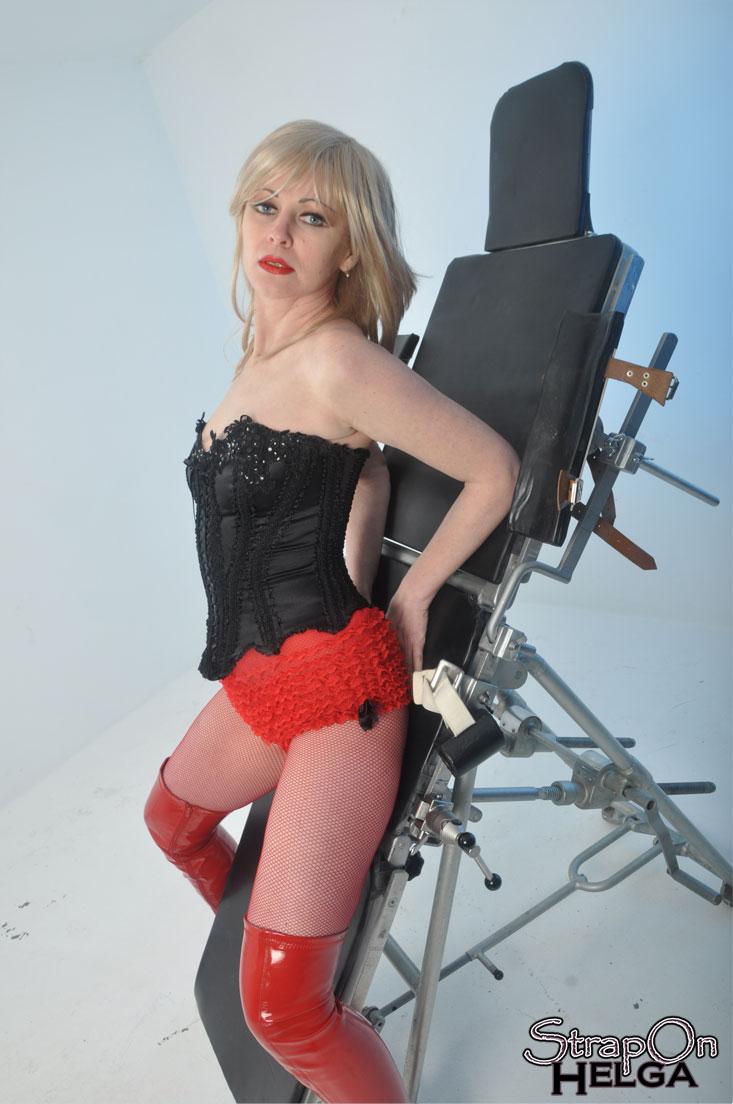Blonde Domina 48