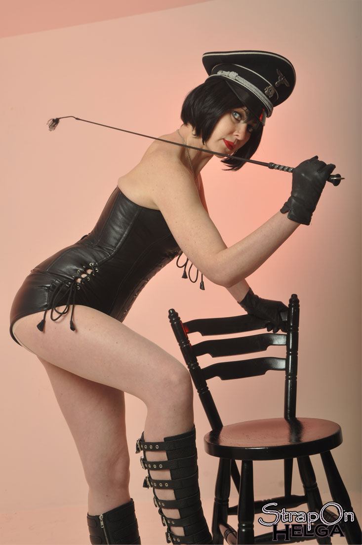 madame whiplash promising a proper whipping gallery from